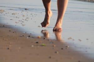 Réapprendre à marcher pieds nus